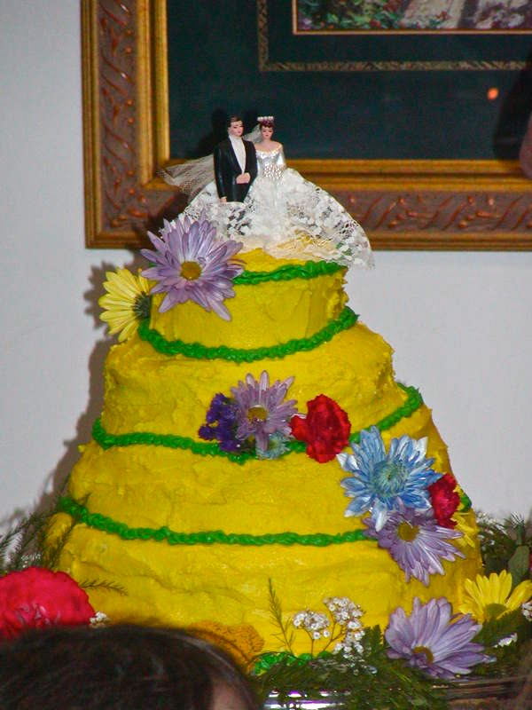 21 hilarious wedding cake fails via wordpress junglespirit Image collections