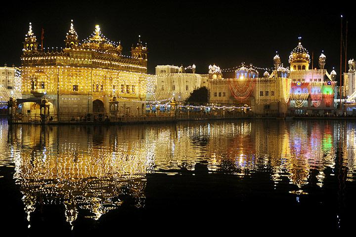 golden temple amritsar diwali. Golden Temple in Amritsar